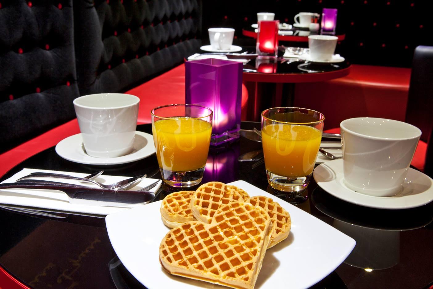 Hotel Montmartre Mon Amour breakfast